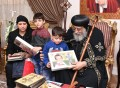 Pope Tawadros receives families of Minya attack victims
